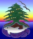 Ένα νησί σύμβολο του δικού μας.   Ένα αιωνόβιο δένδρο Άρκευθου, ευχή για την αιώνια παρουσία των δένδρων και του δάσους. Δύο πουλιά μεταφέρουν μήνυμα ομορφιάς  Ένα δελφίνι ανάμεσα στις ρίζες σύμβολο της νόησης και της ζωής, της ελευθερίας και της αγάπης.